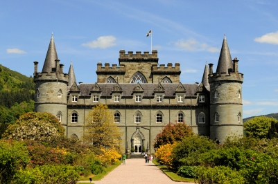 Inveraray_Castle,_Argyll_and_Bute,_Scotland-31May2010.jpg