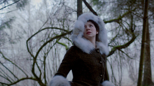 outlander-episode-1-10-by-the-pricking-of-my-thumbs-outlander-2014-tv-series-38359550-500-281