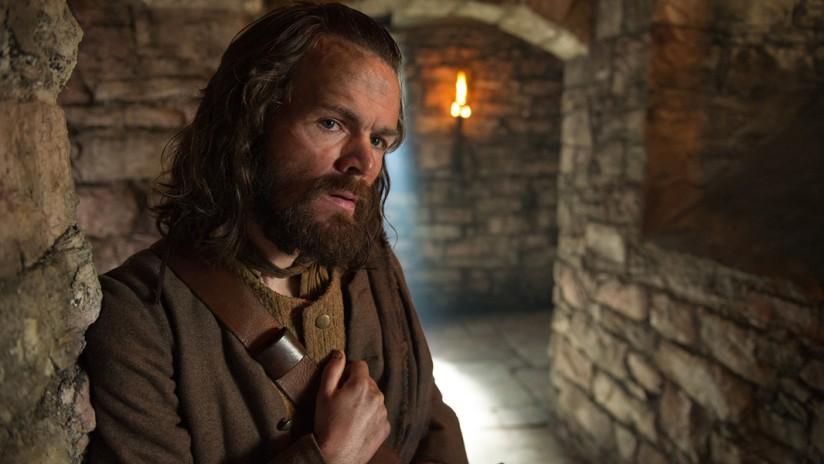 outlander-season-1-episode-3-the-way-out-p-009.jpg