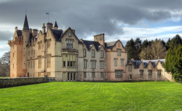 Brodie-Castle-4e88347ed3ca0_hires.jpg